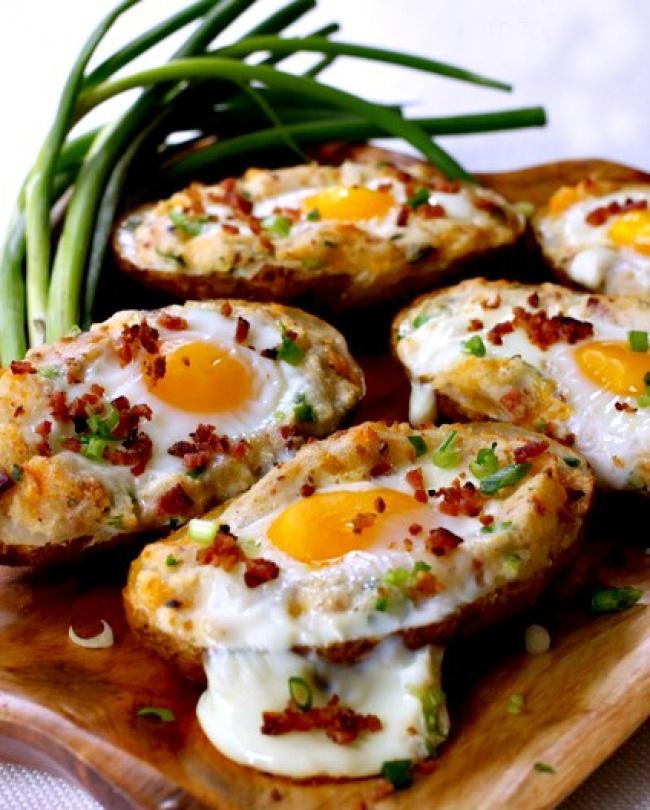 cartofi copt cu oua