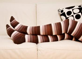 picior peste picior - sfatulparintilor.ro - pixabay_com