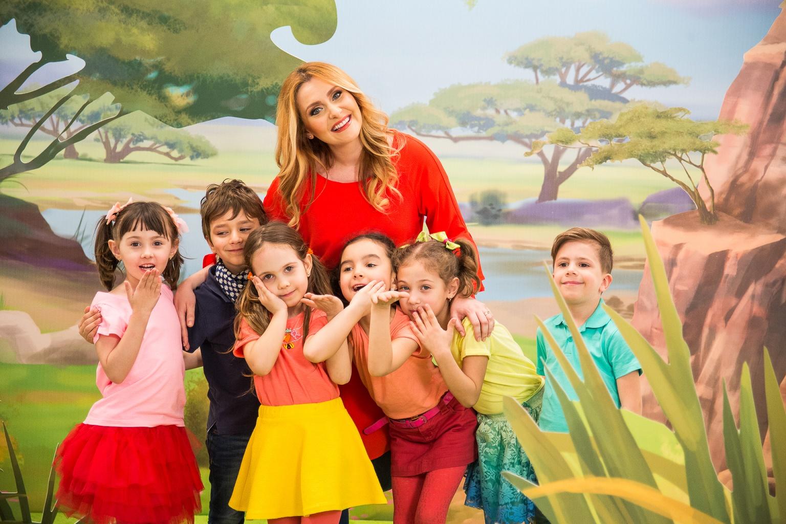 """Alina Sorescu interpreteaza o piesa din noul serial """"Garda Felina"""" ce se lanseaza la Disney Junior pe 18 aprilie la 19:30."""