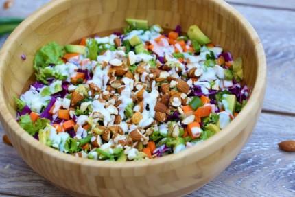 carmen-negoita-rawyal-salata-detox-crunchy