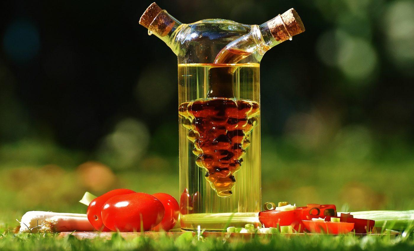 utilizari pentru otet - sfatulparintilor.ro - pixabay-com - vinegar-1667900_1920