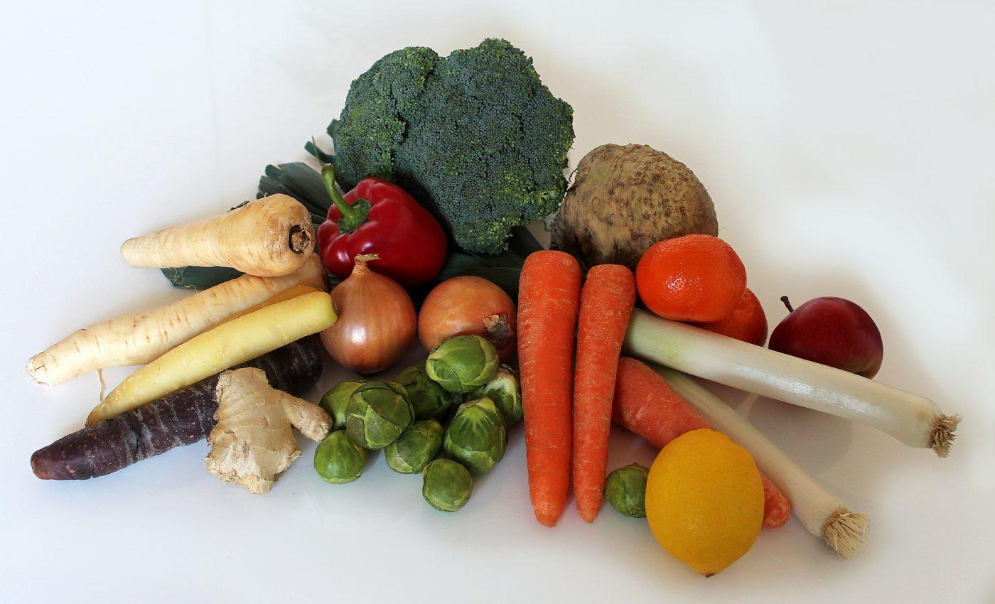 alimentatie sanatoasa - sfatulparintilor.ro - pixabay_com - fruit-1254253_1920