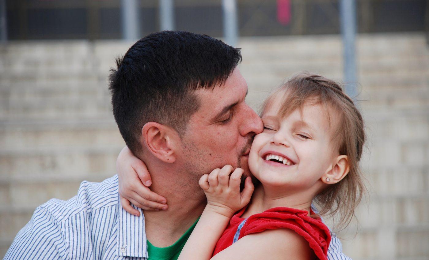 cum sa NU vorbesti cu copilul - sfatulparintilor.ro - pixabay_com - love-3378027_1920