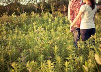 cuplu - sfatulparintilor.ro - pixabay_com - countryside-1851038_1920