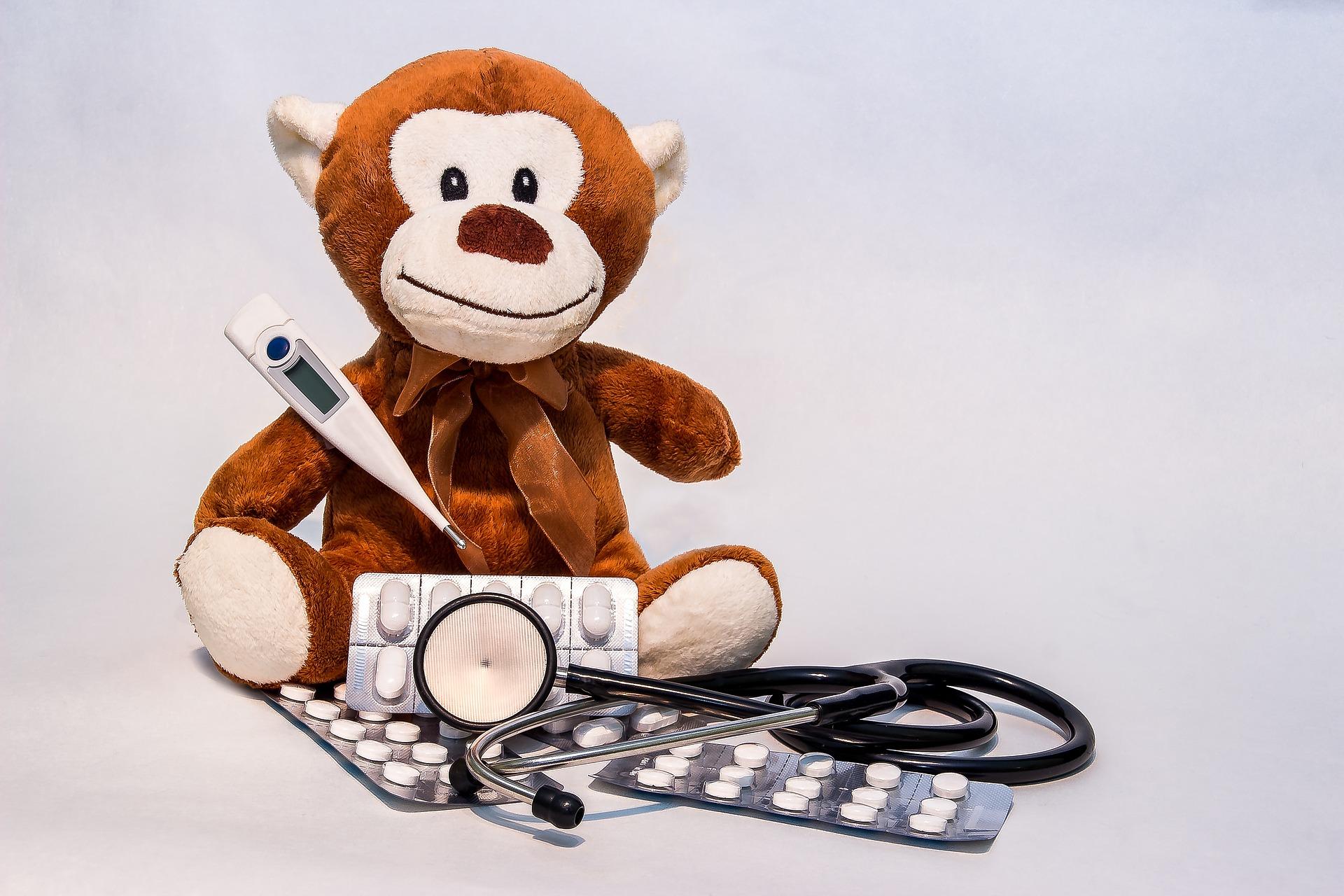febra la copii - sfatulparintilor.ro - pixabay_com - ill-1932923_1920