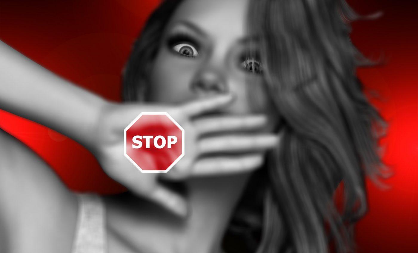 relatie toxica - sfatulparintilor.ro - pixabay_com - face-1852346_1920