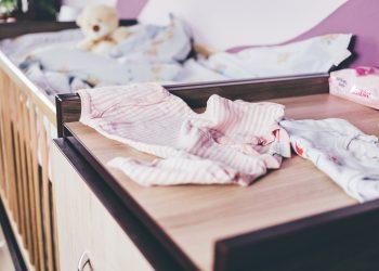 Haine copii - sfatulparintilor.ro - pixabay_com - baby-2941785_1920