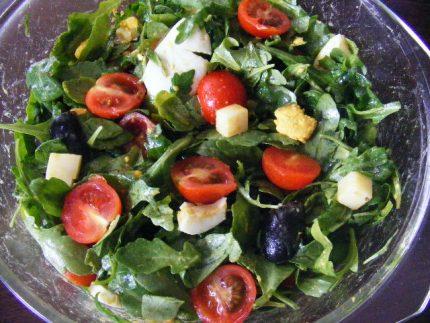Salata de rucola cu ou
