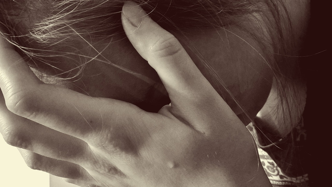 sex adolescenti viol agresiune - sfatulparintilor.ro- pixabay_com