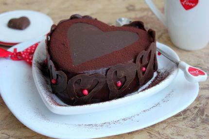 Tort cu jeleu de ciocolata si de fructe