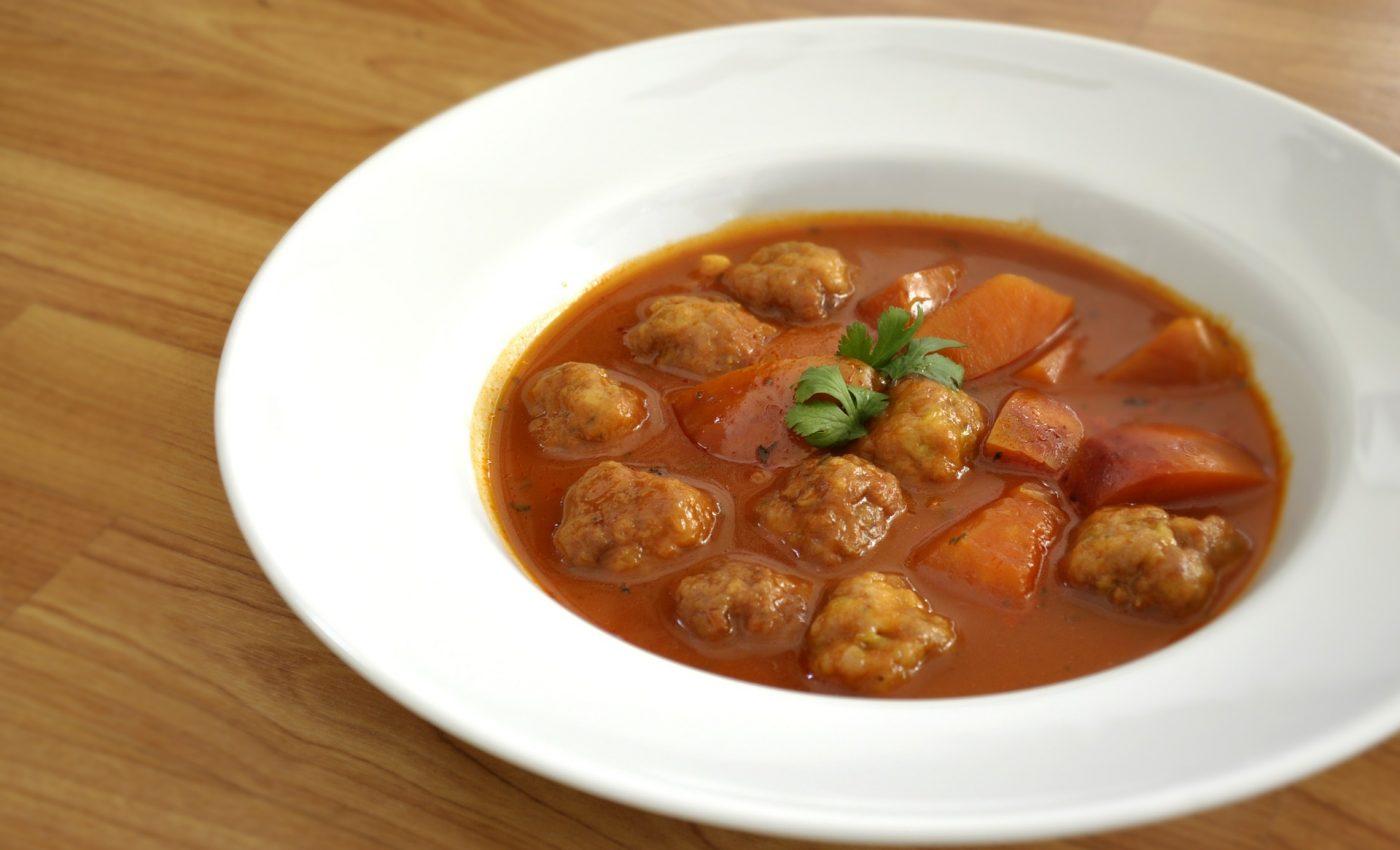 Ciorba de perisoare de porc - sfatulparitnilor.ro - pixabay_com - meatballs-518503_1920