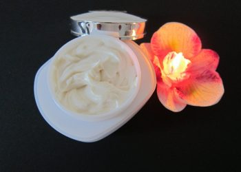 Cum alegem crema hidratanta - sfatulparintilor.ro - pixabay_com - skin-care-1050979_1920