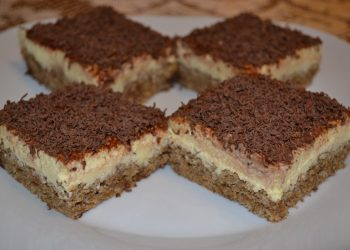 Iata o prajitura delicioasa cu nuci si branza.