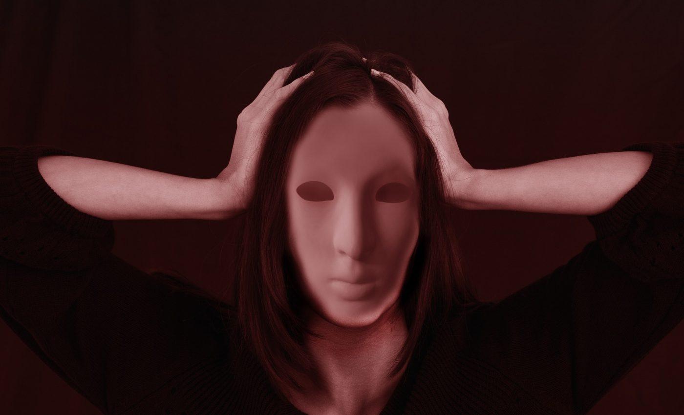 moduri sa tratezi natural durerile de cap - sfatulparintilor.ro - pixabay-com - woman-2709642_1920