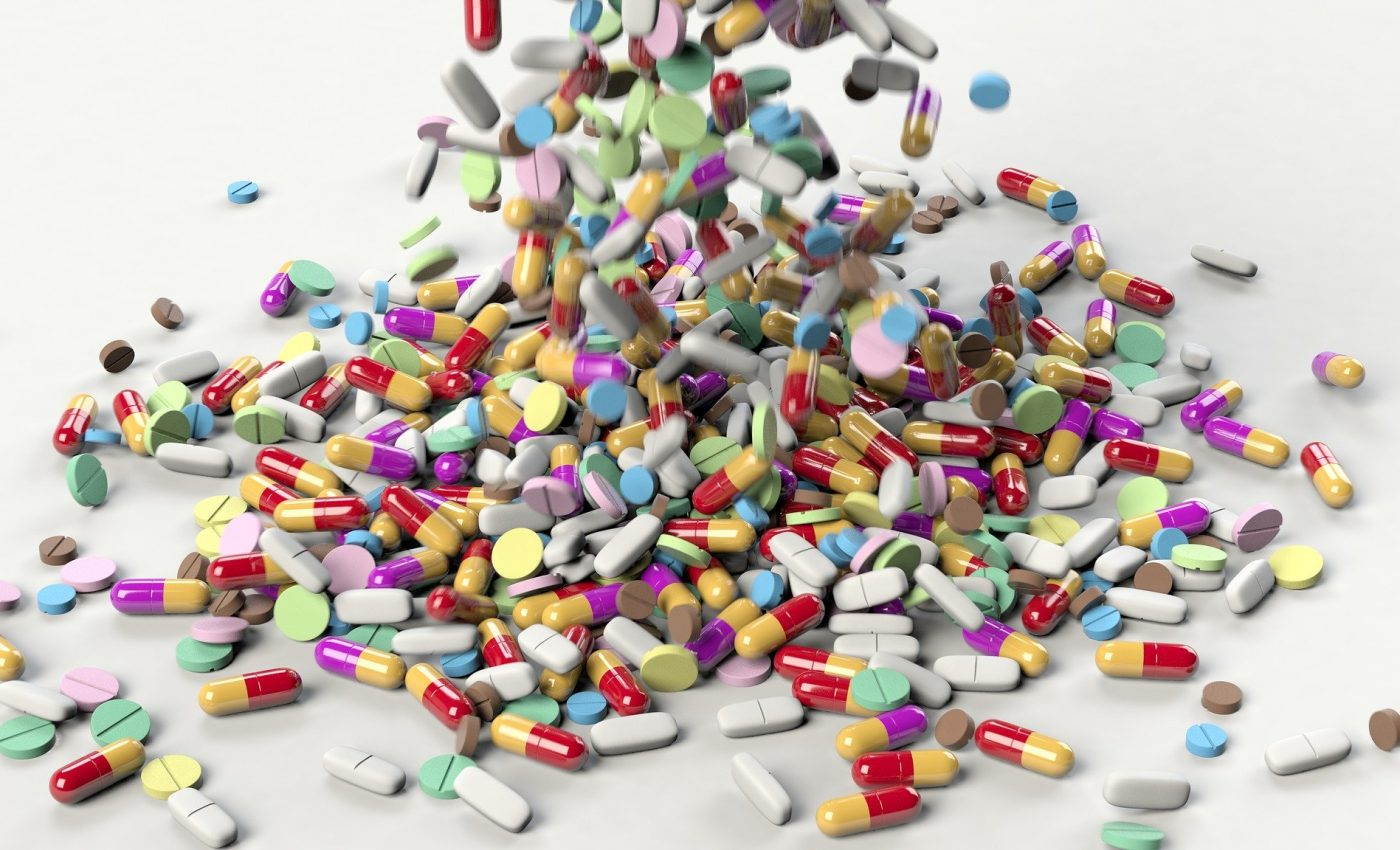 Combinatii letale de medicamente - sfatulparintilor.ro - pixabay_com - pills-3673645_1920