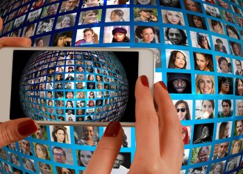 poza facebook - sfatulparintilor.ro - pixabay_com
