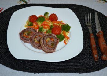 Rulada din carne de strut cu legume