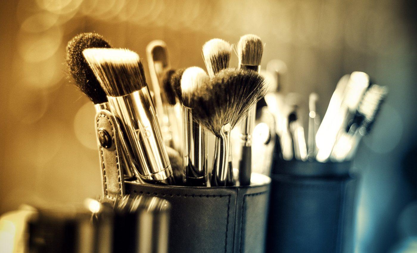 farduri - pensule - machiaj - sfatulparintilor.ro -pixabay_com