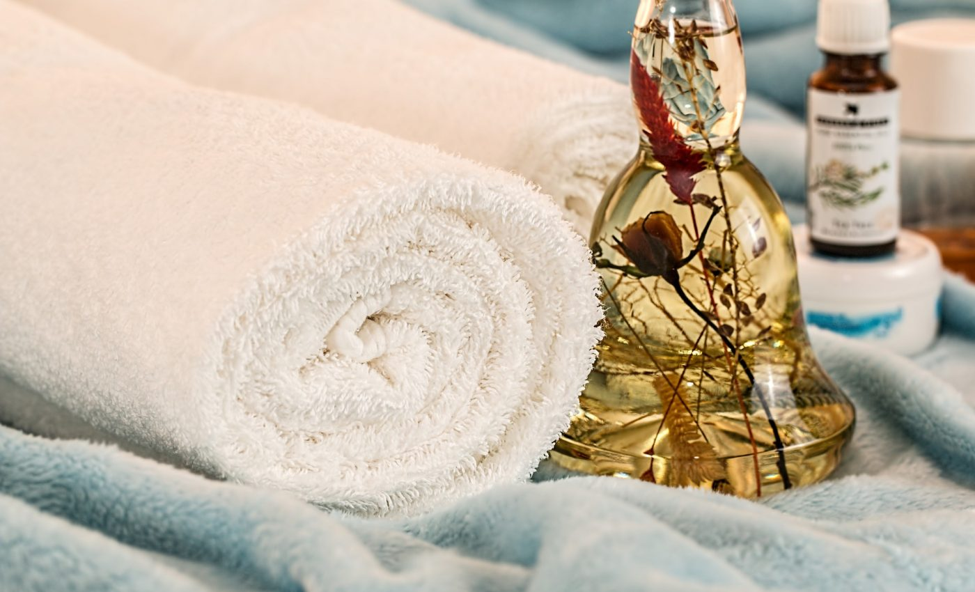 ulei esential - aromaterapie- sfatulparintilor.ro - pixabay_com