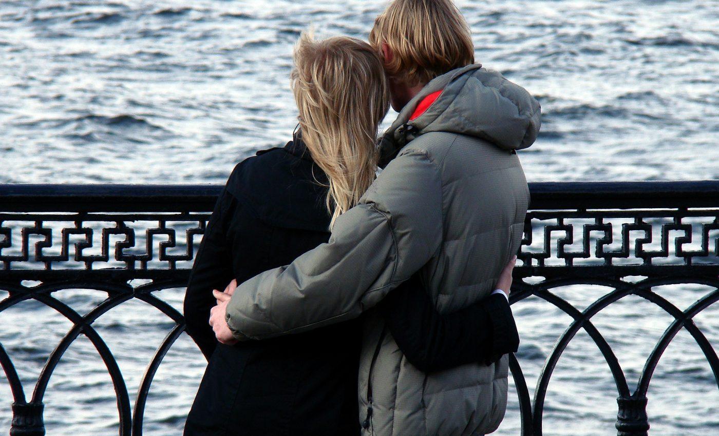 cuplu - sfatulparintilor.ro - pixabay_com - couple-168191_1920