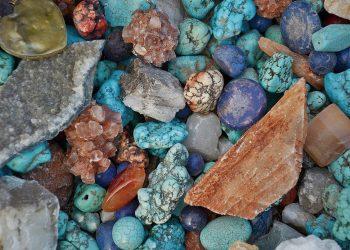 Cum sa cureti energia negativa cu ajutorul cristalelor - sfatulparintilor.ro -pixabay-com - stone-271752_1920