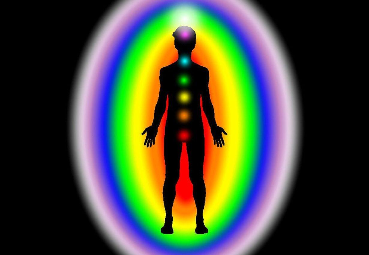 abilitati paranormale - chakre - sfatulparintilor.ro - pixabay_com - aura-1079746_1280