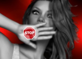 abuz - manipulare - sfatulparintilor.ro - pixabay_com - face-1852346_1920