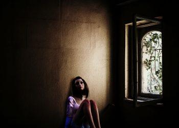 automutilarea la copii - sfatulparintilor.ro - pixabay_com - girl-3141445_1920
