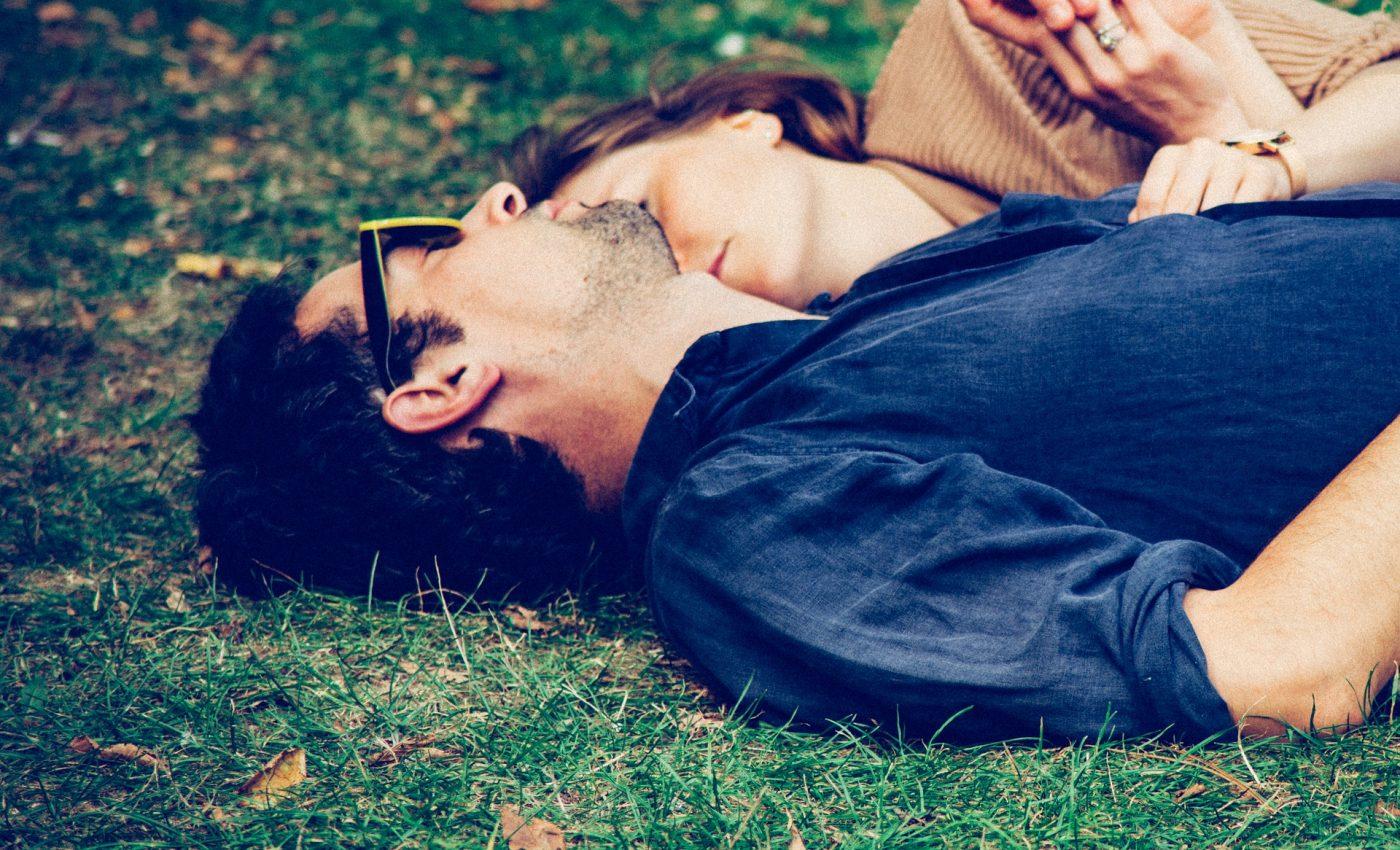 cuplu - sfatulparintilor.ro - pixabay_com - couple-1867703_1920