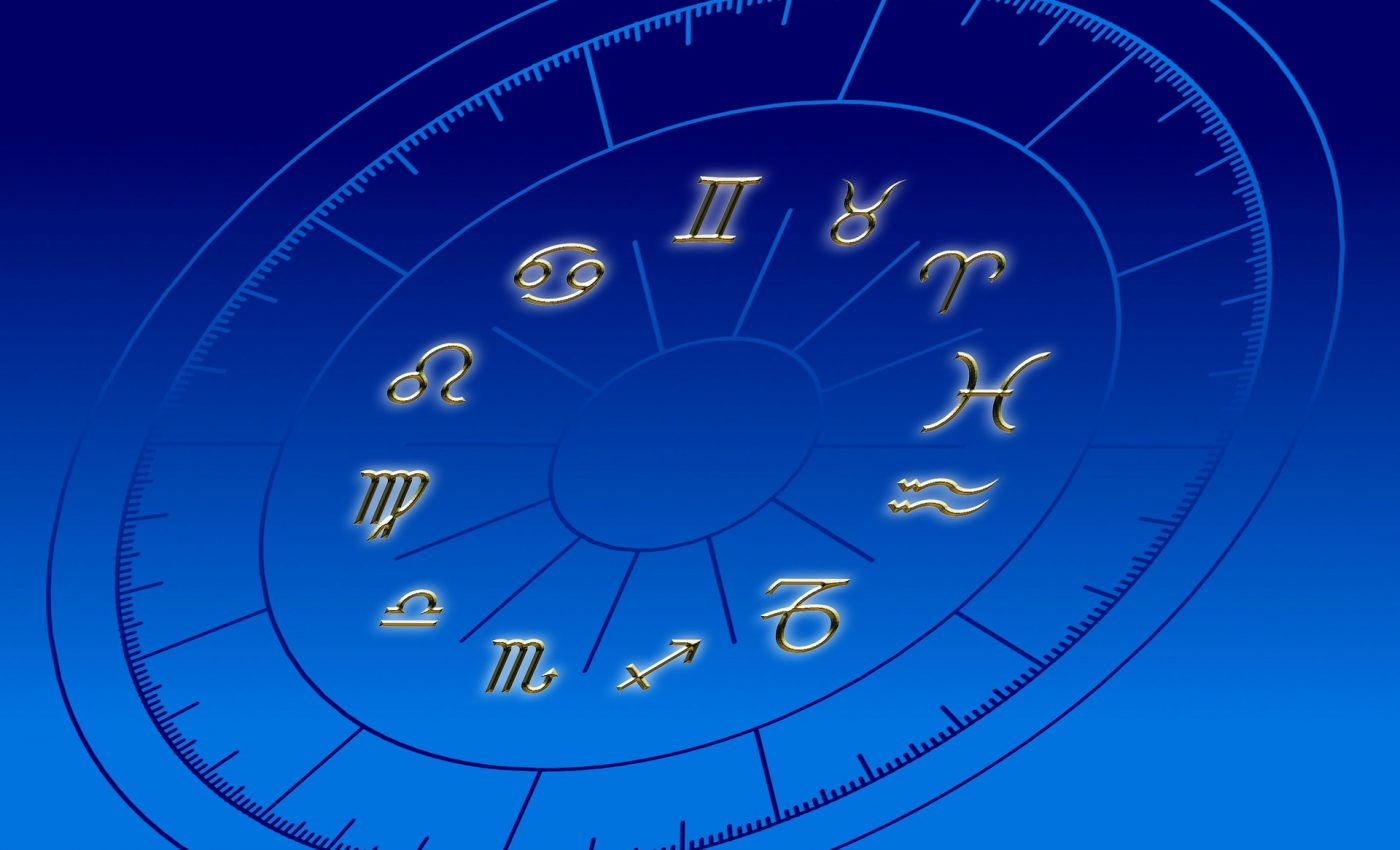 horoscop - sfatulparintilor.ro - pixabay_com - horoscope-96309_1920