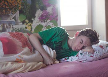 sa dormi numai pe partea stanga - sfatulparintilor.ro - piqsels.com-id-frozc