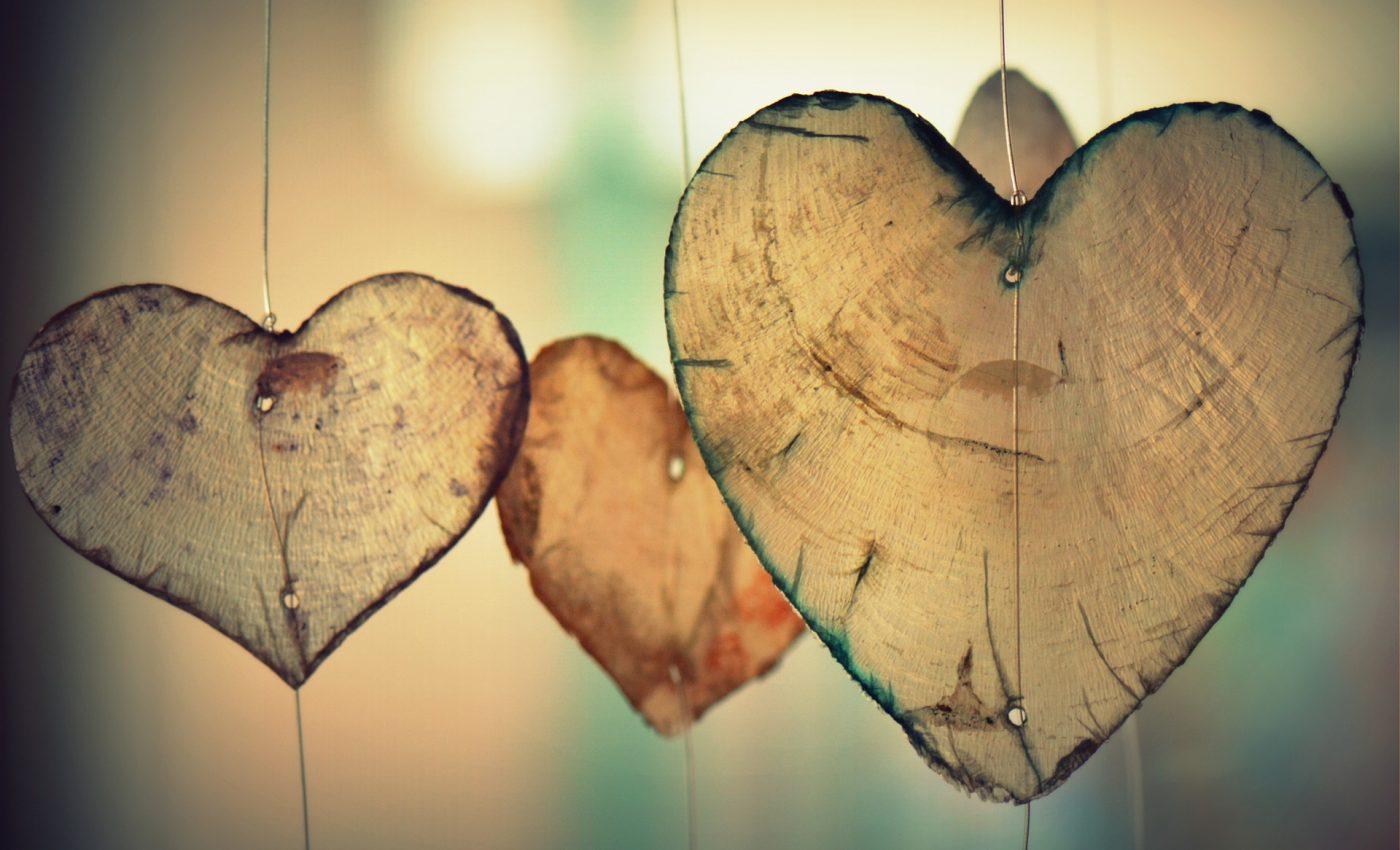 trei iubiri - sfatulparintilor.ro - pixabay_com - heart-700141_1920