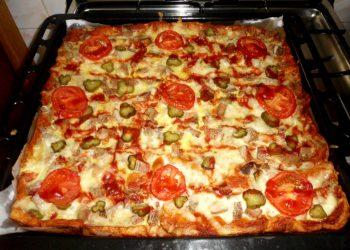 Pizza in blat de paine