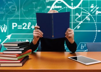 Nu s-a obisnuit cu noul program scolar? Sfaturi pentru parinti