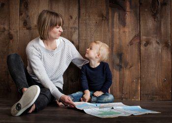 parinti copii - sfatulparintilor.ro - pixabay_com- family-1784371_1920