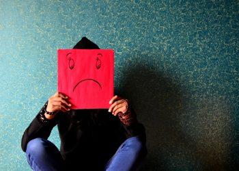 semne ca esti nefericit - sfatulparintilor.ro - pixabay_com - unhappy-389944_1920