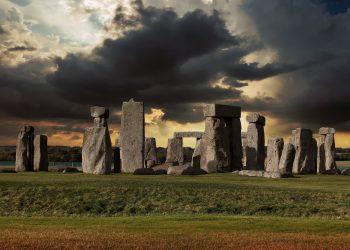 stonehenge-sfatulparintilor.ro - pixabay_com - 2116019_1920