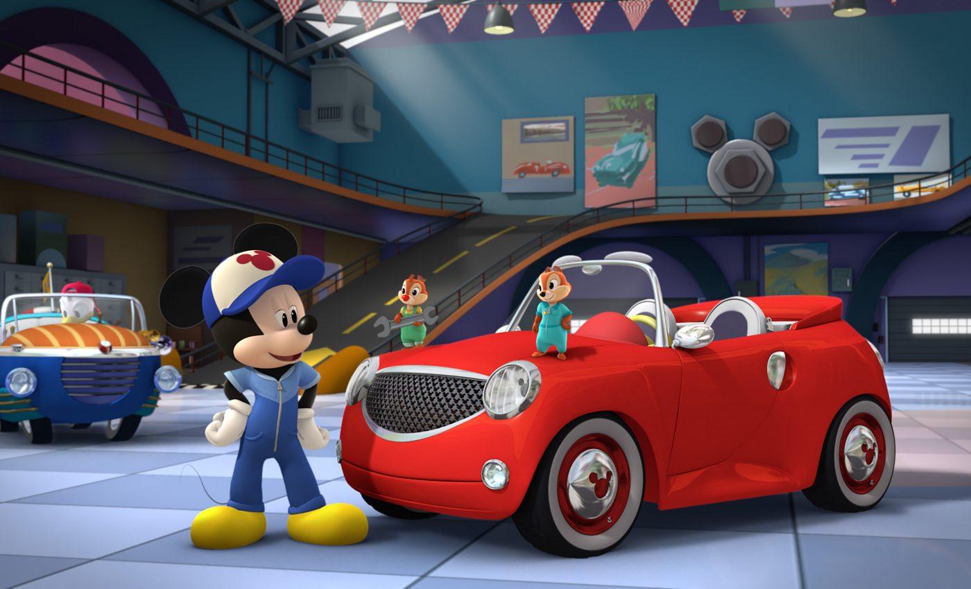 Noua animație Mickey și Piloții de Curse își va face debutul la Disney Junior pe 22 aprilie, la ora 10:30. Serialul dedicat preșcolarilor este plin cu aventuri îndrăznețe, avându-i ca protagonisti pe Mickey Mouse, cel mai îndrăgit personaj Disney, și prietenii lui, Minnie, Pluto, Goofy, Daisy și Donald.