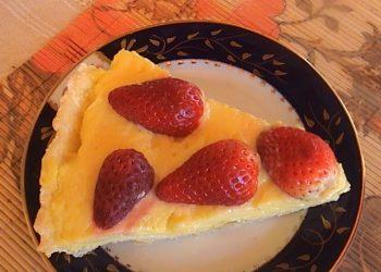 Tarta cu crema de vanilie si capsune