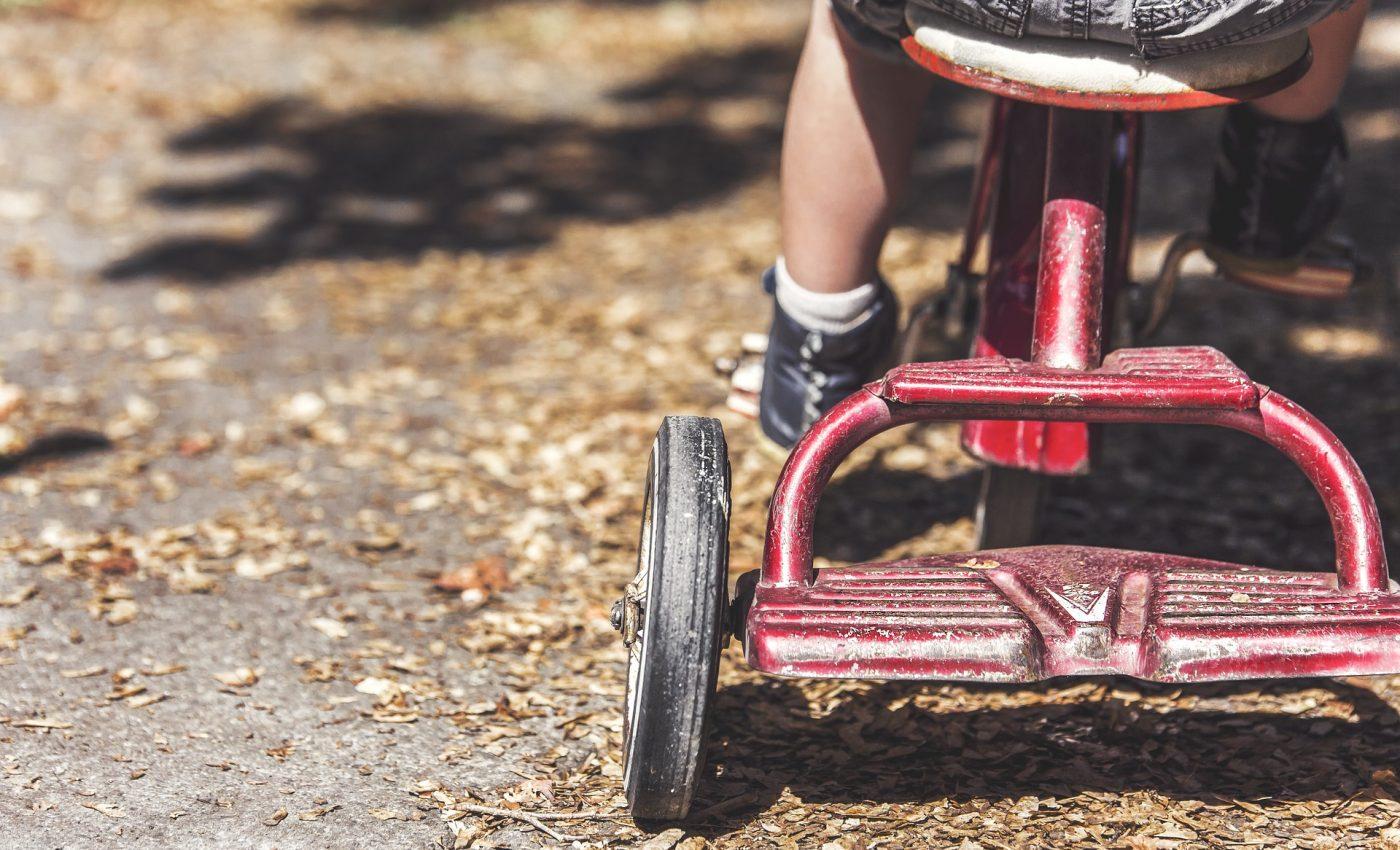 educatie pozitiva sfatulparintilor.ro - pixabay_com - children-1217246_1920