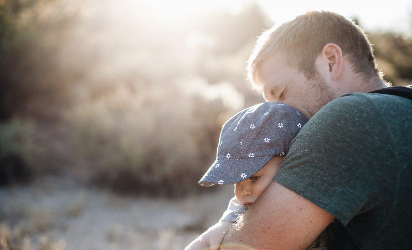 parinti copii - sfatulparintilor.ro - pixabay_com - child-1835730_1920