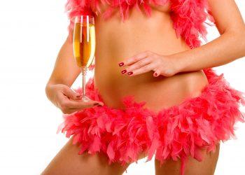 """Cosmetica intima a prins din ce in ce mai multe adepte. Insa cat de sanatoase sunt diversele metode de """"infrumusetare"""" a zonelor intime? Iata raspunsurile oferite de specialisti cu privire la cele mai utilizare metode de cosmetica vaginala."""