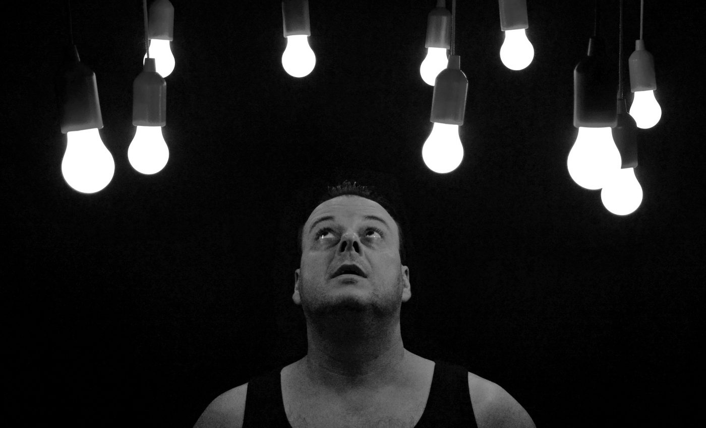 trezire spirituala - sfatulparintilor.ro - pixabay_com - light-bulbs-1765053_1920