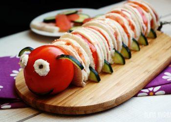 Reteta realizata de catre Alina Avram Dohotariu, un blogger culinar foarte talentat si creativ: Sandvis Omiduta.