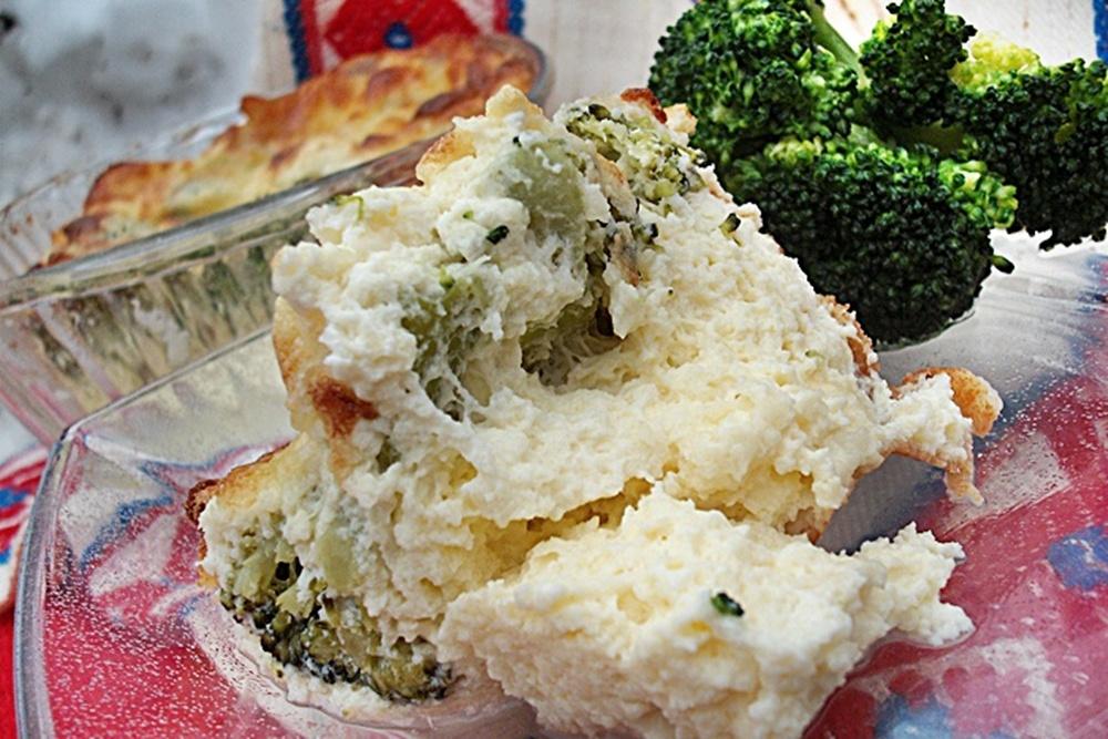 Sufleu de branza cu broccoli