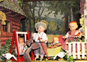 activitati copii - sfatulparintilor.ro - pixabay_com - puppet-show-434907_1920