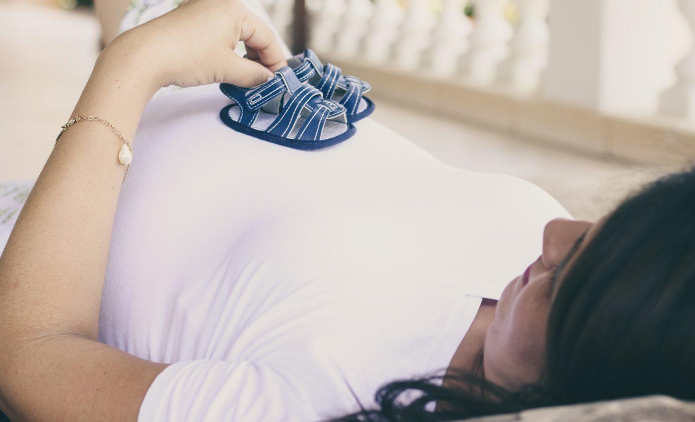 alimente sa ramai insarcinata - sfatulparintilor.ro - pixabay_com - pregnant-2196853_1920
