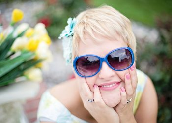 fericire - sfatulparintilor.ro - pixabay_com - sunglasses-635269_1920