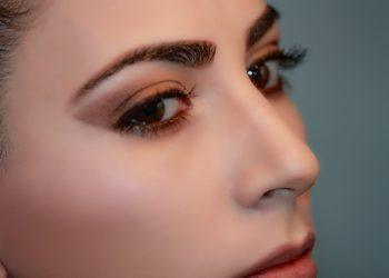 forma sprancene - sfatulparintilor.ro - pixabay_com - woman-2197950