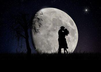 luna plina - sfatulparintilor.ro - pixabay_com - moon-2106892_1920